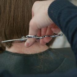 Je veux aider : Des coiffeurs pour nos soignants